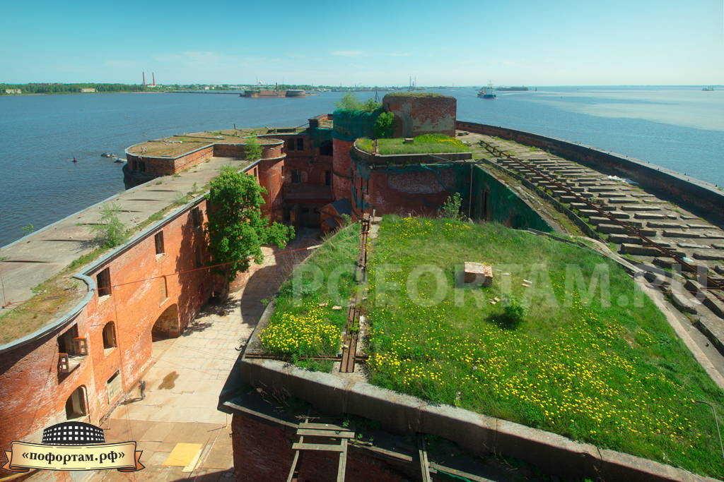 Зелёная крыша форта Александр 1