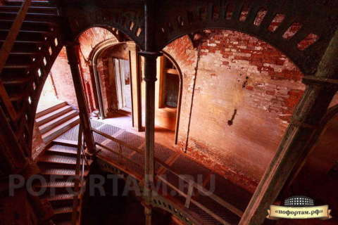 Лестница форта Александр I