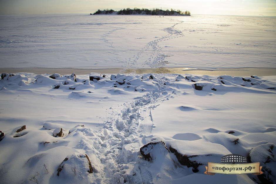 По льду на форты