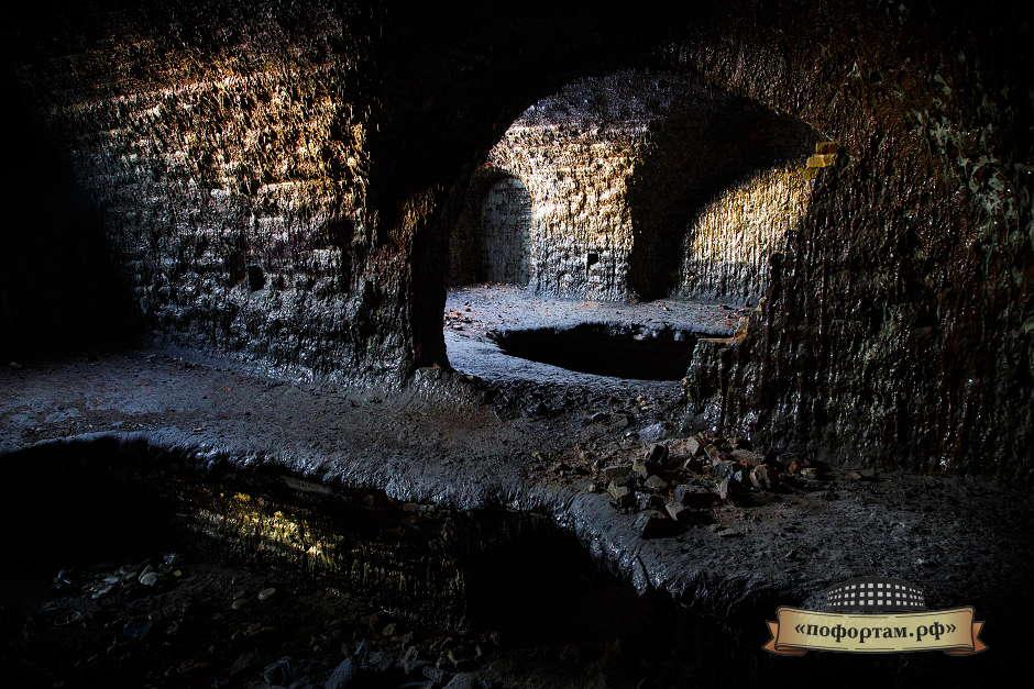 Казематы - северное крыло форта