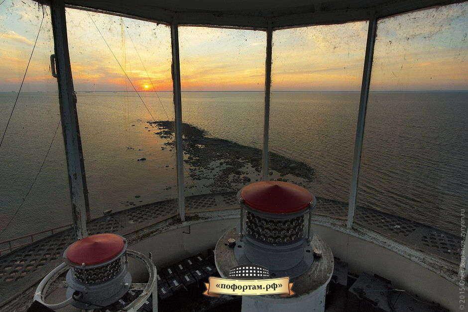 Толбухин маяк - фонарная комната