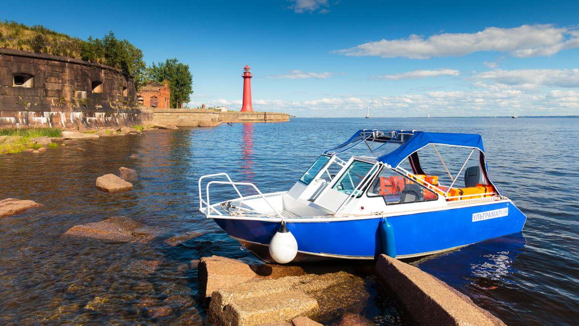 Большая морская экскурсия по фортам и маякам Кронштадта