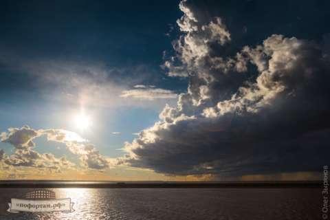 Штормовые облака над фортом «Граф Милютин»