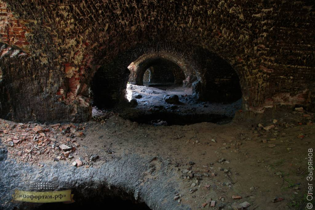 оплавленные казематы форта Зверев