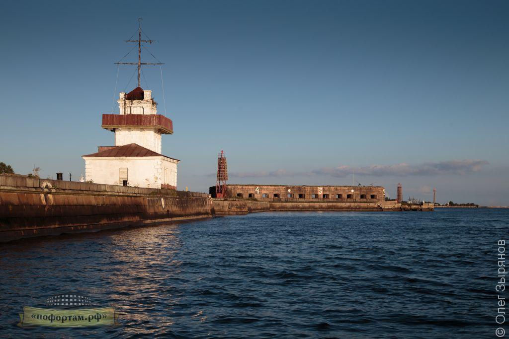 Морской пункт пропуска и батарея Князь Меньшиков.