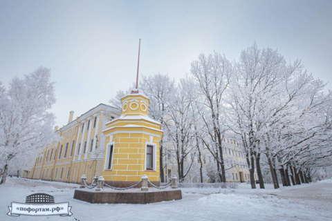 Кронштадт зимой: Павильон мареографа