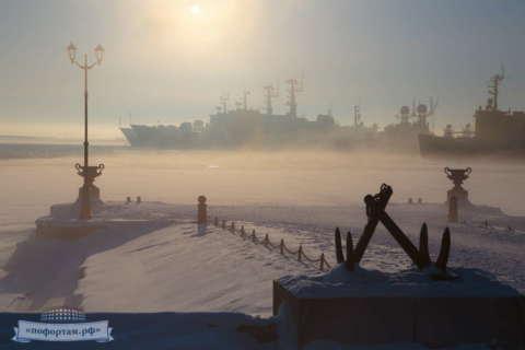 Кронштадт зимой: Петровская пристань
