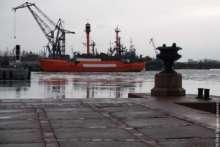 Маяк Ирбенский на стоянке в Кронштадте