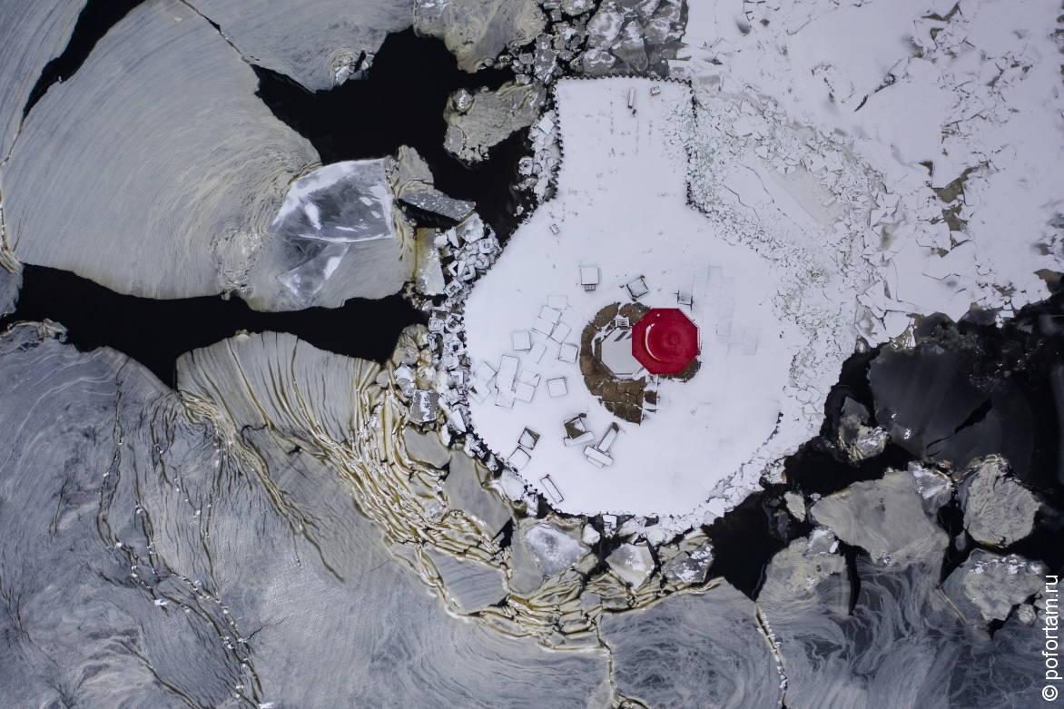 Маяки Кронштадта зимой