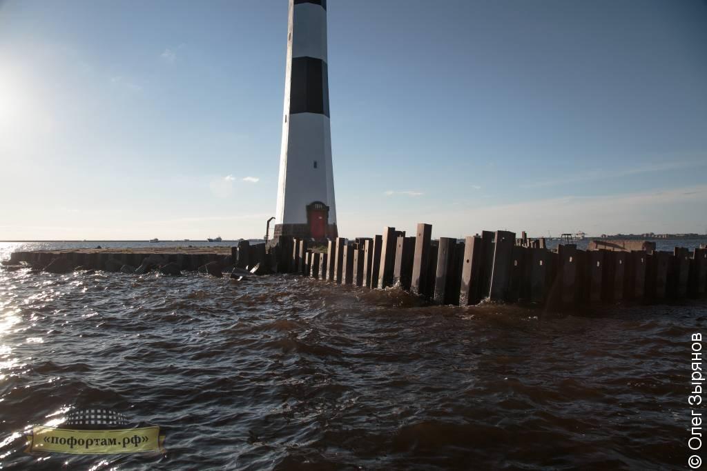 Створный маяк Морского канала СПБ.