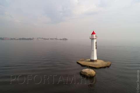 Створный маяк Морского канала СПб
